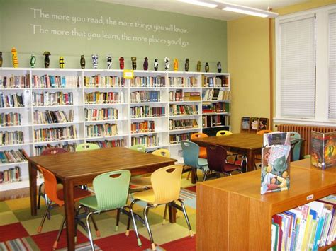 Decorating Books For School by 17 Best Ideas About Small Library Rooms On