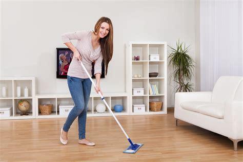 clean laminate floors  streaking