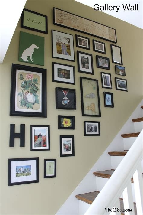 how to make a gallery wall gallery wall the 2 seasons