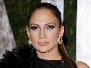 adashop: Jennifer Lopez Biography