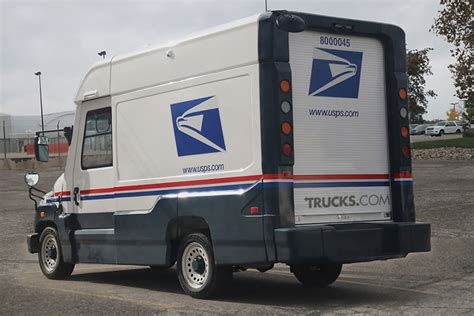 New Llv Postal Vehicle by The Replacement For The Grumman Llv Usps Mail Truck