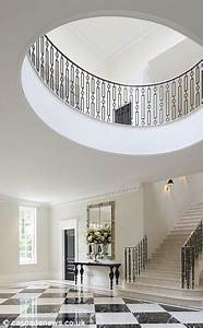 Surrey Mansion With Eight Bedroom 39suites39 And Private