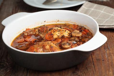 cuisine et vin recette recette lapin en gibelotte aux chignons et aux tomates
