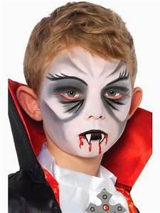 Maquillage Garcon Halloween : die besten 25 dracula schminken kind ideen auf pinterest halloween schminken kinder dracula ~ Farleysfitness.com Idées de Décoration