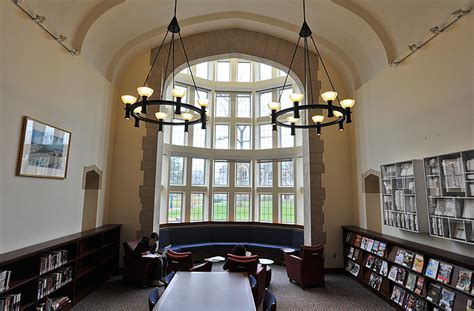 Uconn Library Front Desk by Library Named In Honor Of Former Connecticut Governor