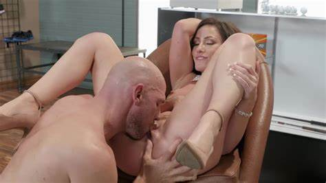 Ripened Russian Pigtail Doctor Fucking At The Golf Club With Insolent Jennifer Ebony