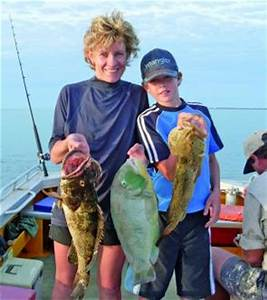 Fishing Monthly Magazines : Swell fishing at Sweers
