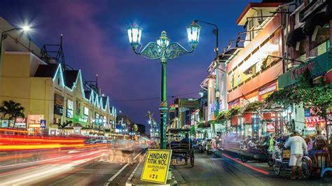 menikmati wisata malam  yogyakarta investorid