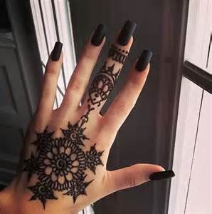 Black henna nails image by helena on favim
