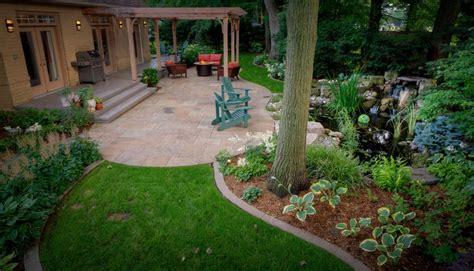 landscape mistakes  avoid  decorating  backyard