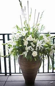 Große Deko Vasen : 25 atemberaubende bodenvasen designs richtige eyecatcher in ihrer wohnung ~ Markanthonyermac.com Haus und Dekorationen