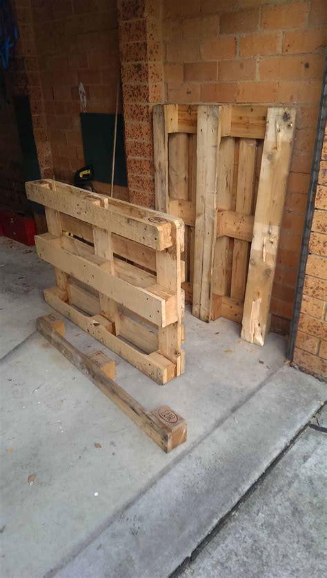 diy  tutorial vertical pallet planter screen