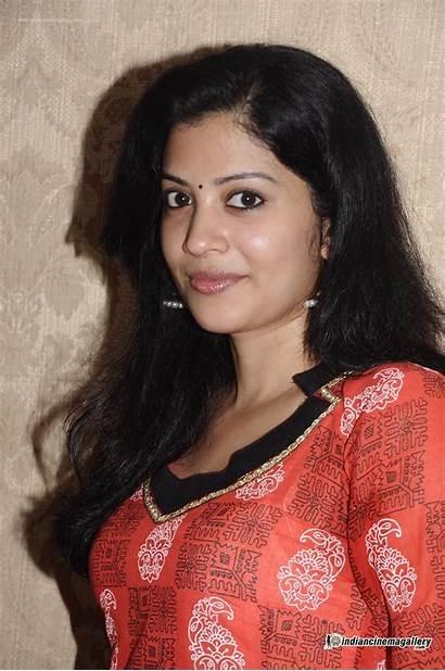 Nair Shivada Ok Tamilnadu Married