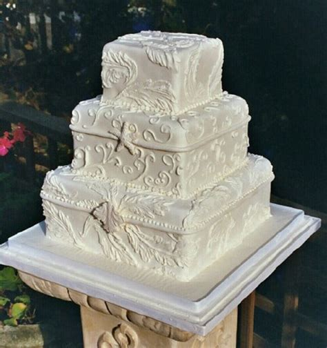square boxes wedding cake  cream color