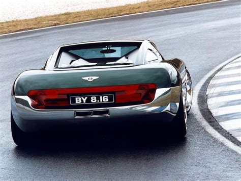 Production on bugatti's flagship hypercar didn't start until 2005 which means this concept car predated it by 5 years. Old Concept Cars: Bentley Hunaudieres | Vehiclejar Blog