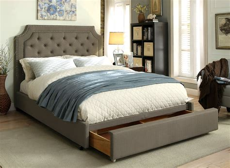 Orianna Gray Linen Button Tufted Cal King Bed W/ Footboard