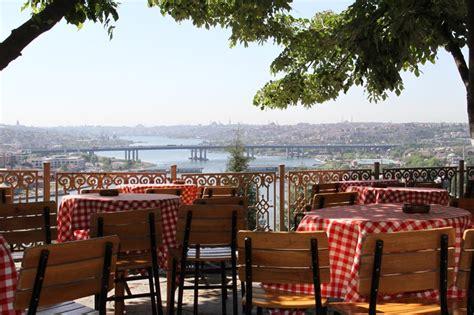 le café pierre loti à istanbul dans un cadre hors du