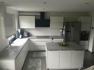 Arbeitsplatte Küche Beton : k che beton optik wei hochglanz k che beton k che ~ Watch28wear.com Haus und Dekorationen