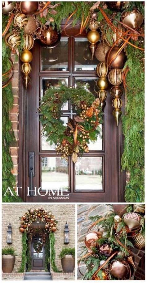 save  lot  money diy  christmas front door