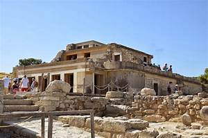 THE PALACE OF KNOSSOS |Holiday and Travel Europe