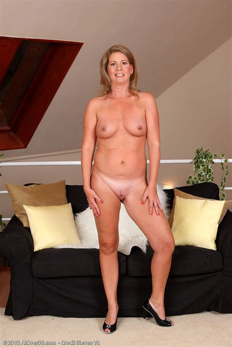 Lau009035006596015 - Only Over 30 Milfs