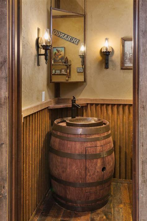 traditional mountain rustic custom home    oak
