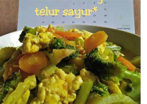 Setelah wortel empuk masukkan telur puyuh, bakso dan oyong, aduk rata. Resep *tumis kuning telur sayur* oleh ati dewanthi - Cookpad