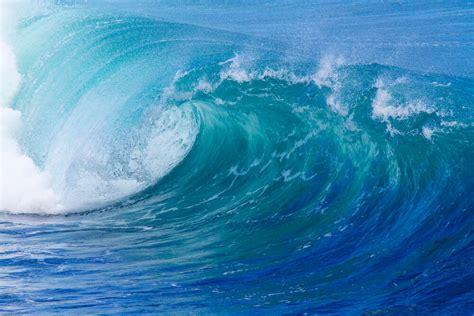 giant tsunami  fall  california   time