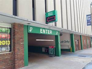 Garage Saint Louis : kiener plaza garage west parking in saint louis parkme ~ Gottalentnigeria.com Avis de Voitures