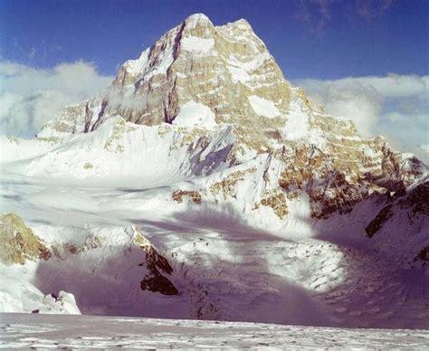 Gasherbrum I ( Hidden Peak ) 8068