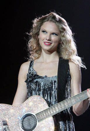 T Swift! 5.29.11   Flapper dress, Fashion, Taylor swift
