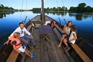 La Loire En Bateau : balade en bateau sur la loire bord de la sterne la loire v lo ~ Medecine-chirurgie-esthetiques.com Avis de Voitures