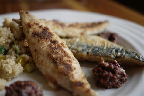 cuisiner maquereau recette de filets de maquereau à la tapenade d 39 olives noires