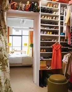 Begehbarer Kleiderschrank Klein : ankleidezimmer einrichten 20 dekoideen und begehbare kleiderschr nke ~ Eleganceandgraceweddings.com Haus und Dekorationen