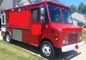 Chevrolet P30  1985    Van    Box Trucks