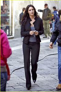 Monica Bellucci Doesn't Look Back: Photo 685691   Monica ...