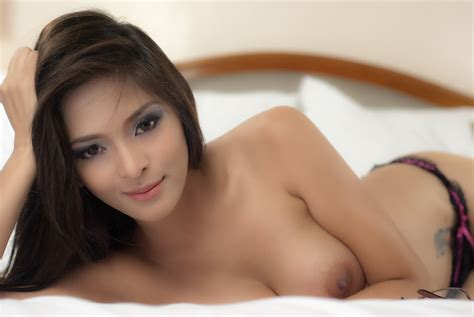 Angel Malit Topless Pics In Her Bed Asian Sexy Girls