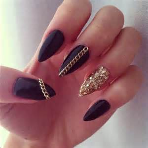 Pointy black nails nail art picture