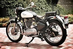 Moto Royal Enfield 500 : royal enfield bullet 350 moto rivista moto rivista ~ Medecine-chirurgie-esthetiques.com Avis de Voitures
