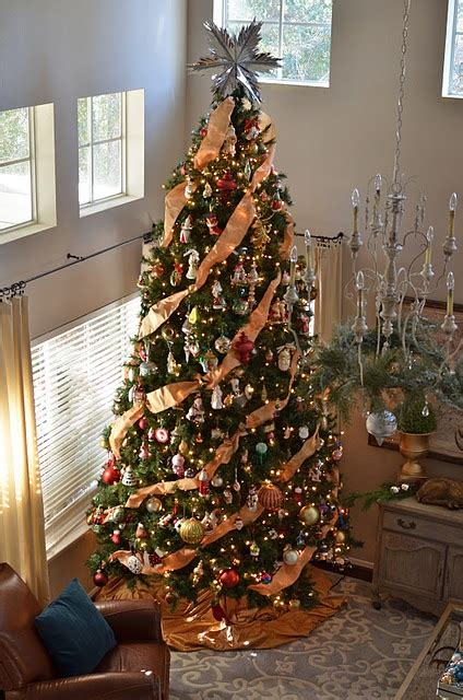 how to put vertical ribbon on christmas tree 1000 images about tree decor on decorated trees