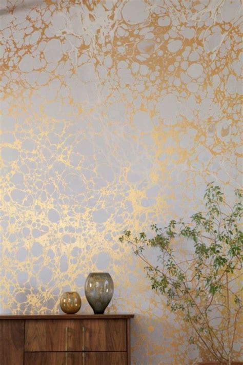 papier vinyl cuisine gallery of papier peint elitis en or pour les murs dans le