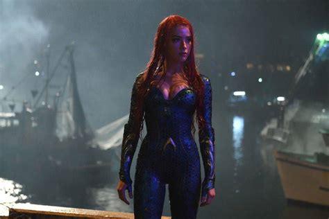 Amber Heard Wears New Mera Costume In 2 Aquaman Photos E