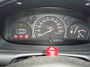 Voyant Ford Fiesta : ford fiesta 1 3 endura ess an 1999 moteur tourne mal r solu ~ Medecine-chirurgie-esthetiques.com Avis de Voitures