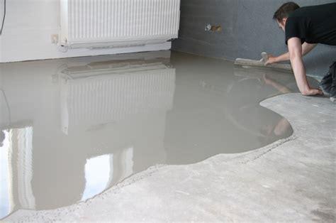 hoe krijg je cement tegels zelf vloer egaliseren mijnkluswijzer nl