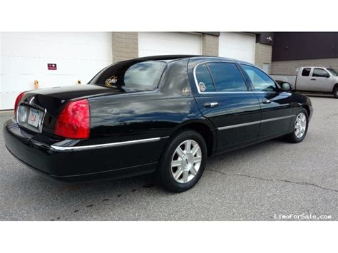 2011 Lincoln Town Car used 2011 lincoln town car sedan limo signature limousine