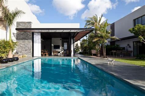 desain kolam renang rumah minimalis modern arsitektur
