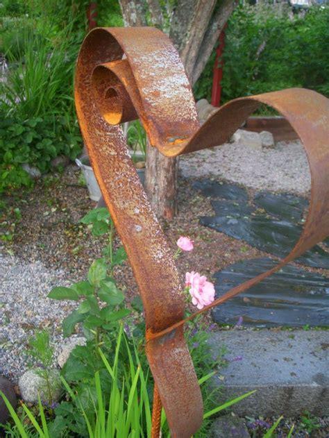 amazing heart shaped garden decorations   fall  love
