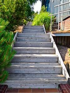 Treppe Bauen Garten : treppe aus holz bauen io47 hitoiro ~ Lizthompson.info Haus und Dekorationen