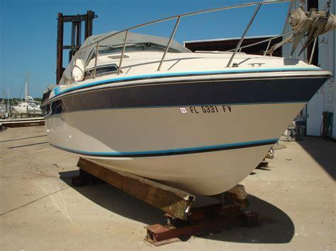 Boats For Sale Aruba by 1987 Wellcraft 232 Aruba Power Boat For Sale Www