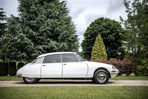 citroen classic ds immaculate 1973 citroen ds super 5 ready to be auctioned